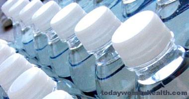 شرب السوائل والماء لتقيل الشعور رالعطش