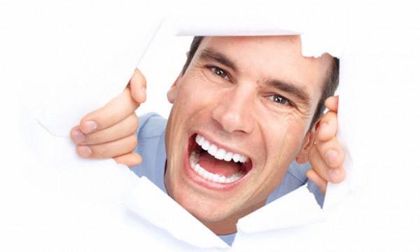 إهمال العناية بالفم والأسنان قد يؤدى إلى الإصابة بالسرطان