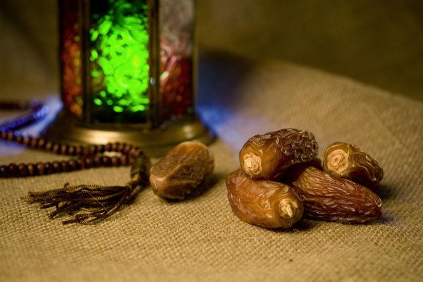 أهمية الافطار التمر رمضان