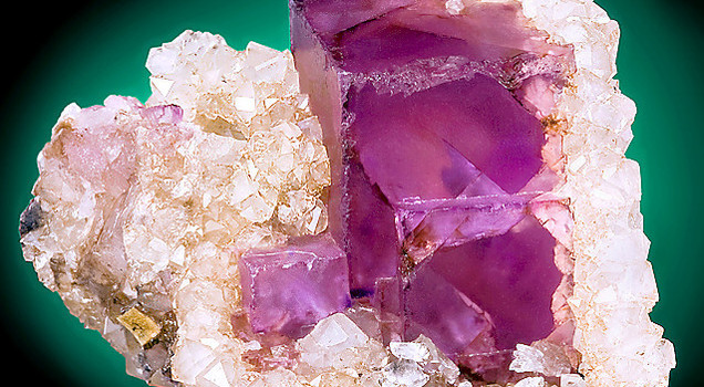 عجائب التداوي بالأحجار الكريمة