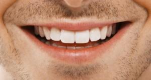 طرق منزلية فعالة لتبييض الاسنان