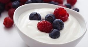 أهم 10 فوائد صحية لتناول الزبادي