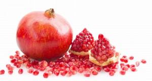 فوائد الرمان الصحية والجمالية
