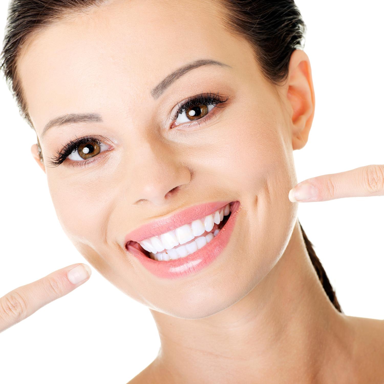 وصفات طبيعية لتبيض الأسنان وإزالة رائحة الفم