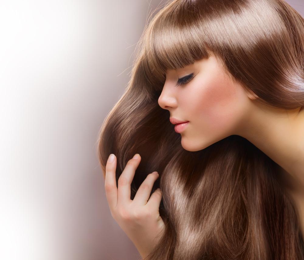 خلطات طبيعية لصبغ الشعر بالأكاجو أو الأشقر