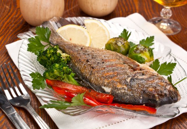Grilled fish with herbs ideal for Diet