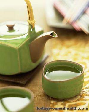 الشاي الأخضر فوائد عديدة واستخدام محدود