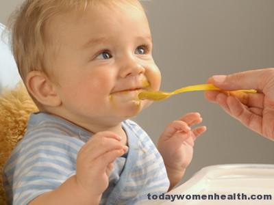 الغذاء المناسب لطفلك أثناء فترة الرضاعة
