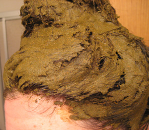 فوائد الحناء في تلوين الشعر