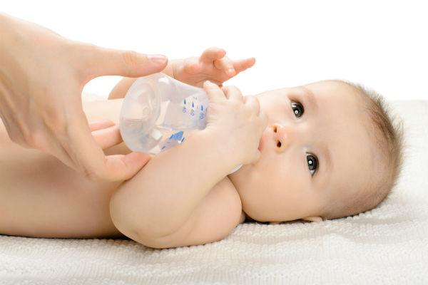 أسباب الإمساك عند الاطفال وكيف يمكن علاجة