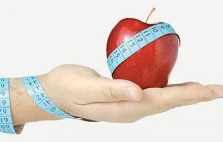 عادات غذائية صحية لخسارة الوزن الزائد بسهولة