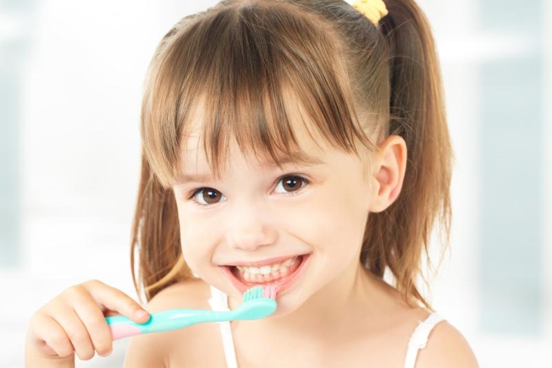 طرق حماية أسنان طفلك من التسوس
