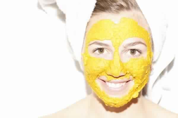وصفات صابون الكركم لتفتيح وتوحيد لون البشرة